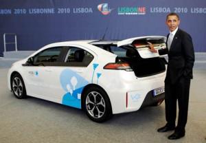 U.S. President Barack Obama inspects an Opel Ampera electric car