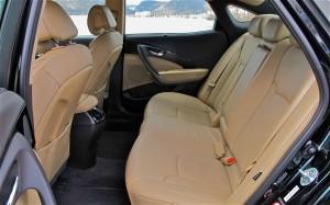 2014 Azera rear seat