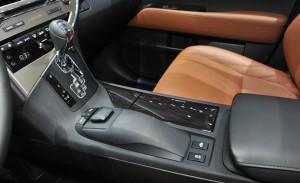 2014 RX450 console