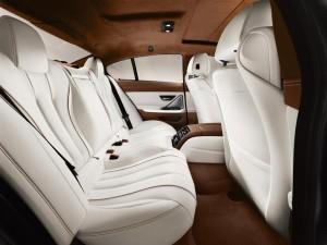 '14 GC back seat detail