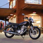 2015-Yamaha-SR400b