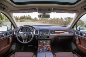 '14 Touareg interior 1