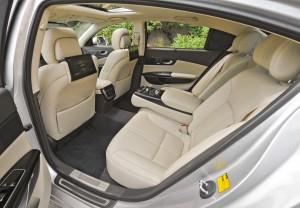 '15 K900 back seat view