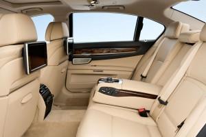 '15 740Ld back seat 2