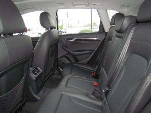 '15 Q3 back seats