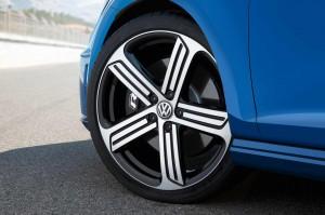 '15 Golf R wheel detail