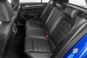 '15 R back seat detail