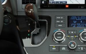 '15 Sienna gear shift
