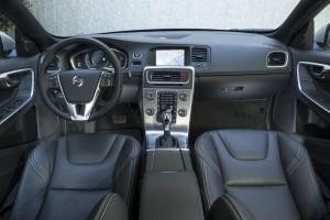 '15 V60 interior 1