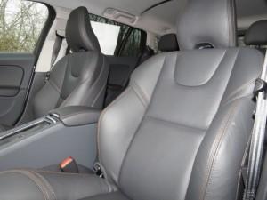 '15 V60 seats