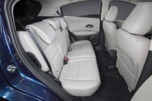 '16 HR-V seats 2