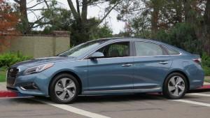 '16 Sonata hybrid curb 1