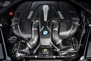 '16 750i V8