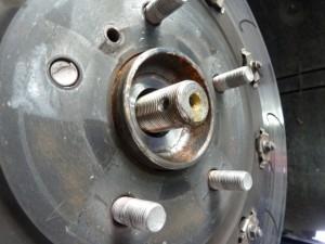 broken wheel stud