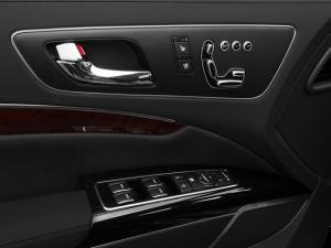 '16 K900 door detail