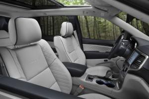 17-gc-front-seat-detail
